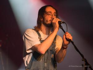 Le chanteur du groupe, Antoine Bourque