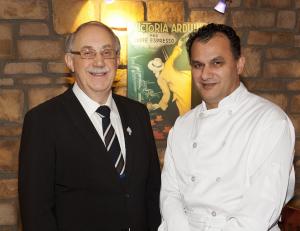 M. Demetre Triantafyllou et M. Ali Lariane, copropriétaires du Restaurant Tuscanos