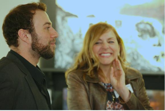 Sur la photo : l'artiste-peintre Lénième et la propriétaire de la Galerie Q uébec Art, France Marcotte. C rédit : Marc-Éric Baillargeon