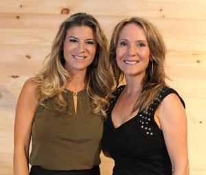 Marie-Christine Lavoie, ambassadrice du Salon et Julie Cantin, promoteure. Crédit-Marc-Eric-Baillargeon-LesFestifs