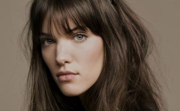 Charlotte Cardin reprend des chansons bien connues sur Instagram, écoutez!