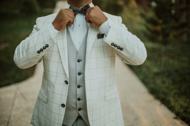 Choisir sa cravate ou son nœud papillon pour un complet